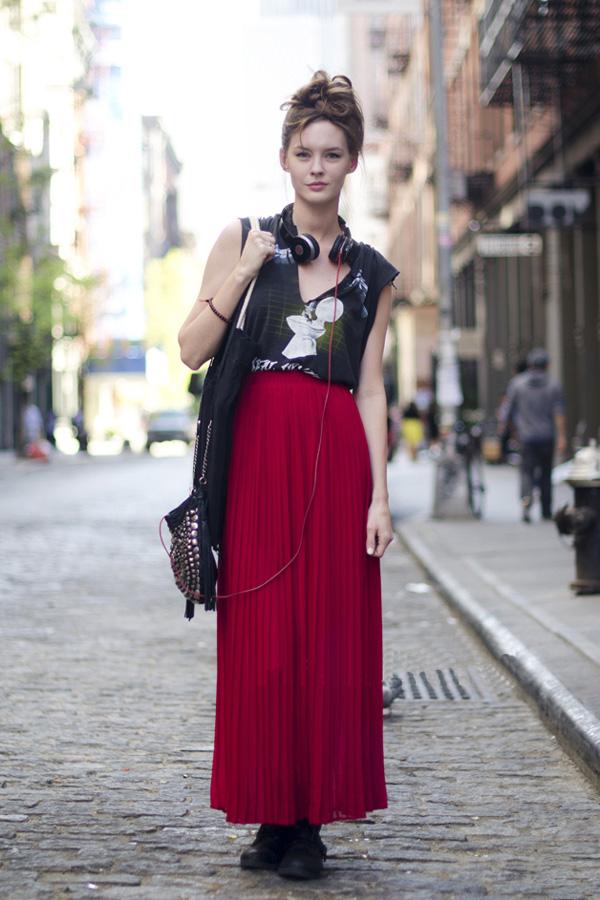 #1 Look de vacances : Rock T-shirt + robe rouge avec une paire de belles chaussures   Fashion ...